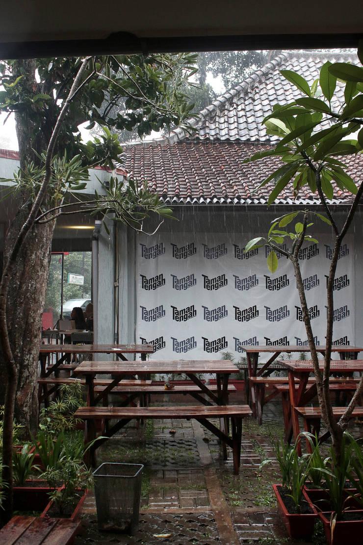 Taman Tengah - Joint Creative Space:   by Lukie Widya - LUWIST Spatial