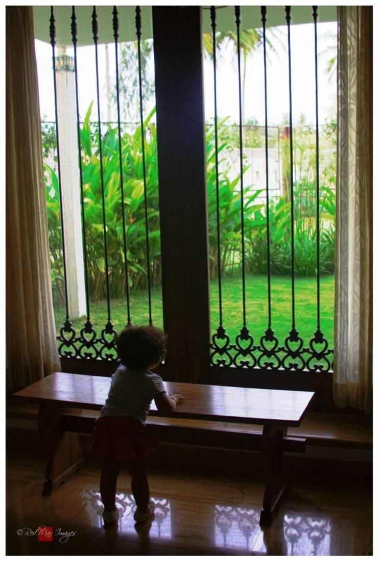 Kannan - Sonali and Gaurav's residence:  Windows by Sandarbh Design Studio,Eclectic