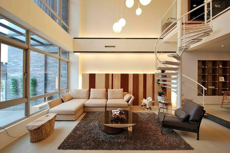 Ruang Keluarga by 一穰設計_EO design studio