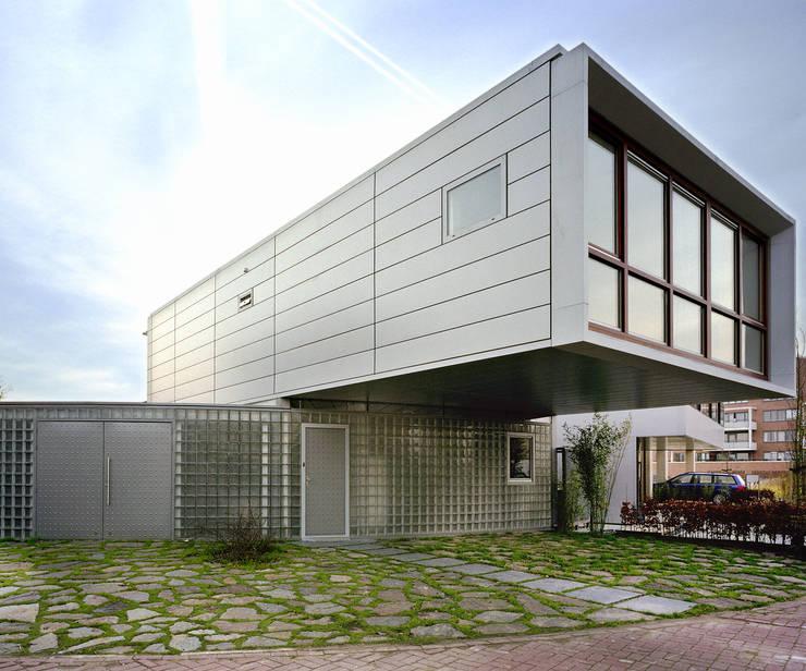 Steel Study House I:  Prefab woning door Archipelontwerpers