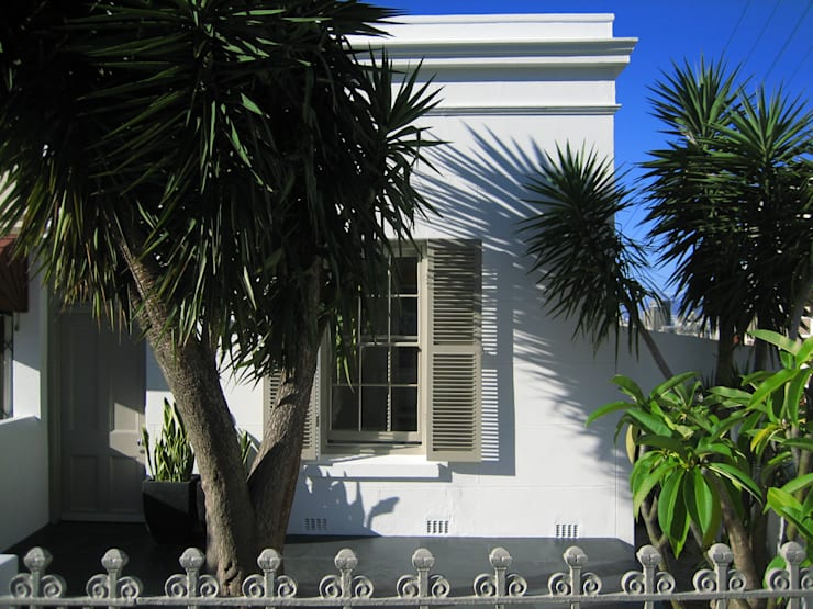 NEW HOUSE GARDENS, CAPE TOWN:  Houses by Grobler Architects, Colonial