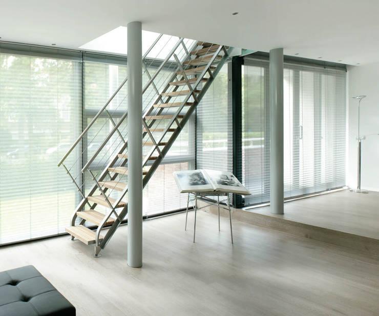 Villa Bliek – Den Haag:  Woonkamer door Archipelontwerpers, Modern