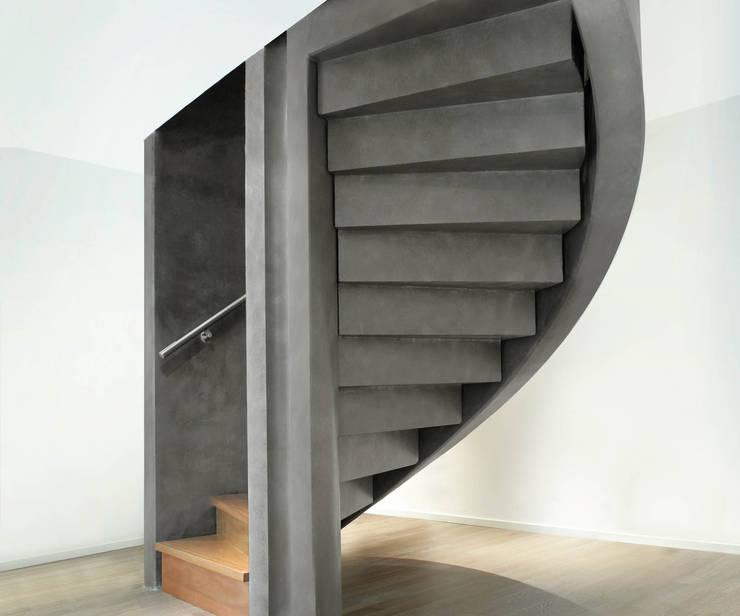 Villa Bliek – Den Haag:  Gang en hal door Archipelontwerpers, Modern