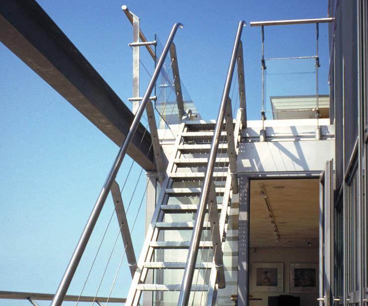 Penthouse Harbourview:  Terras door Archipelontwerpers, Industrieel
