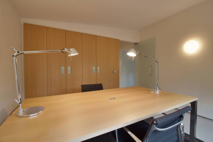 interieur C te Klimmen:  Studeerkamer/kantoor door CHORA architecten, Modern