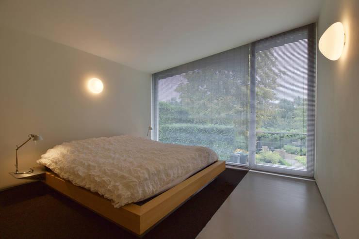 interieur C te Klimmen:  Slaapkamer door CHORA architecten, Modern