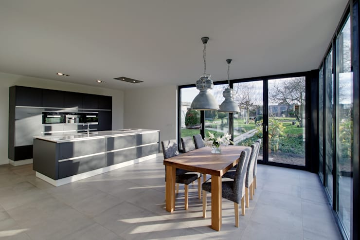 keuken K te Geulle:  Keuken door CHORA architecten