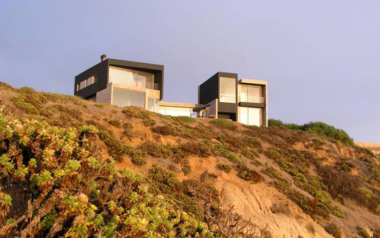 Casa Rabanua: Casas de campo de estilo  por Dx Arquitectos