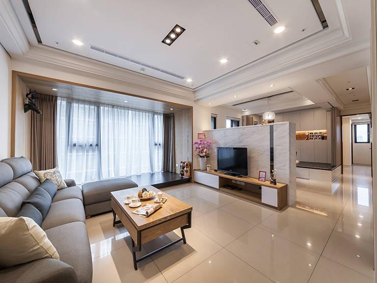 北歐風格美學新體驗:  客廳 by 好室佳室內設計