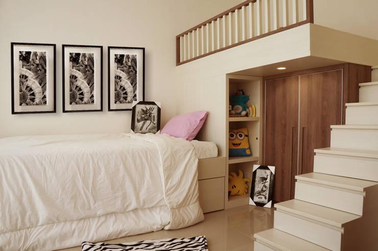Graha Natura AB show unit:  Bedroom by KOMA living interior design