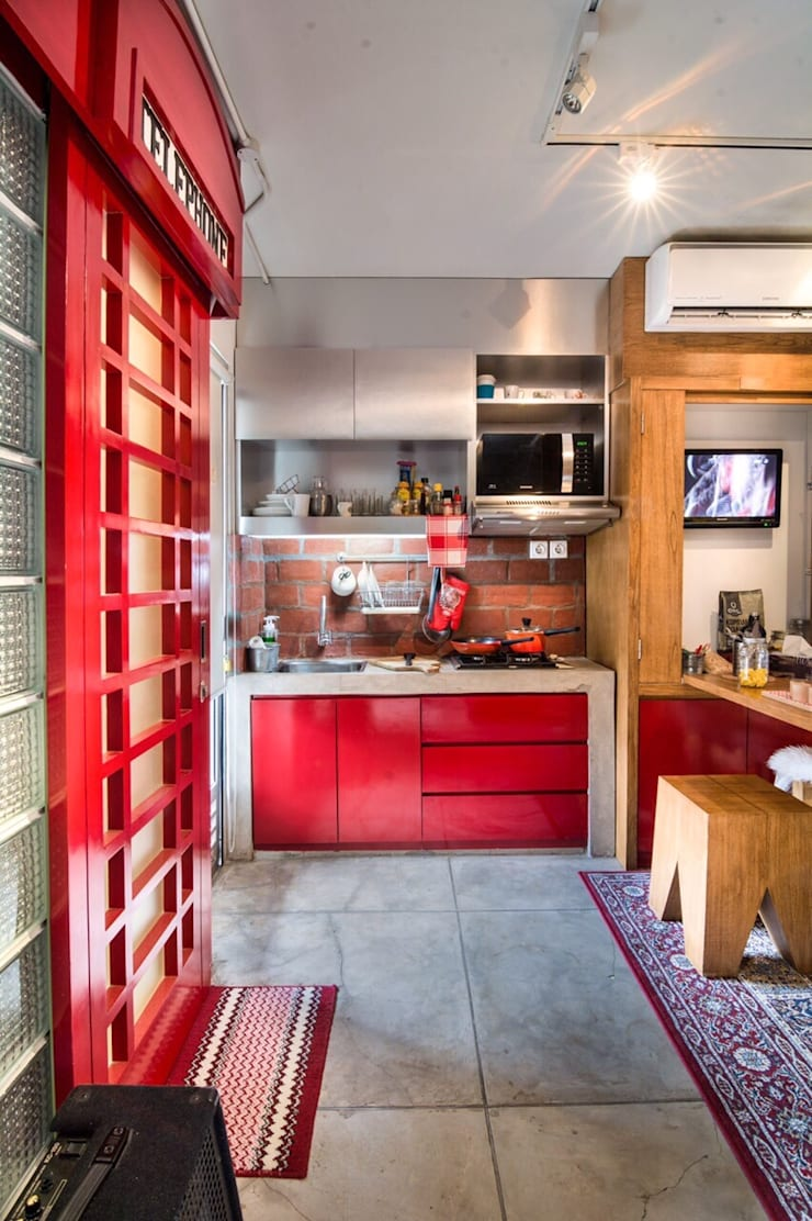 Industrial London inspired apartment:  Dapur by SATTVA square
