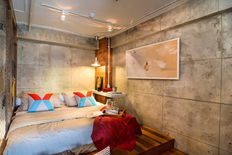 Industrial London inspired apartment:  Kamar Tidur by SATTVA square