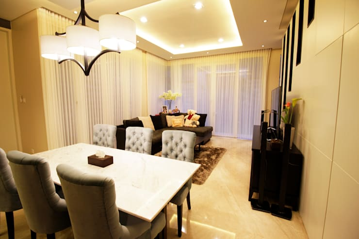 Dining area:  Ruang Makan by Kottagaris interior design consultant