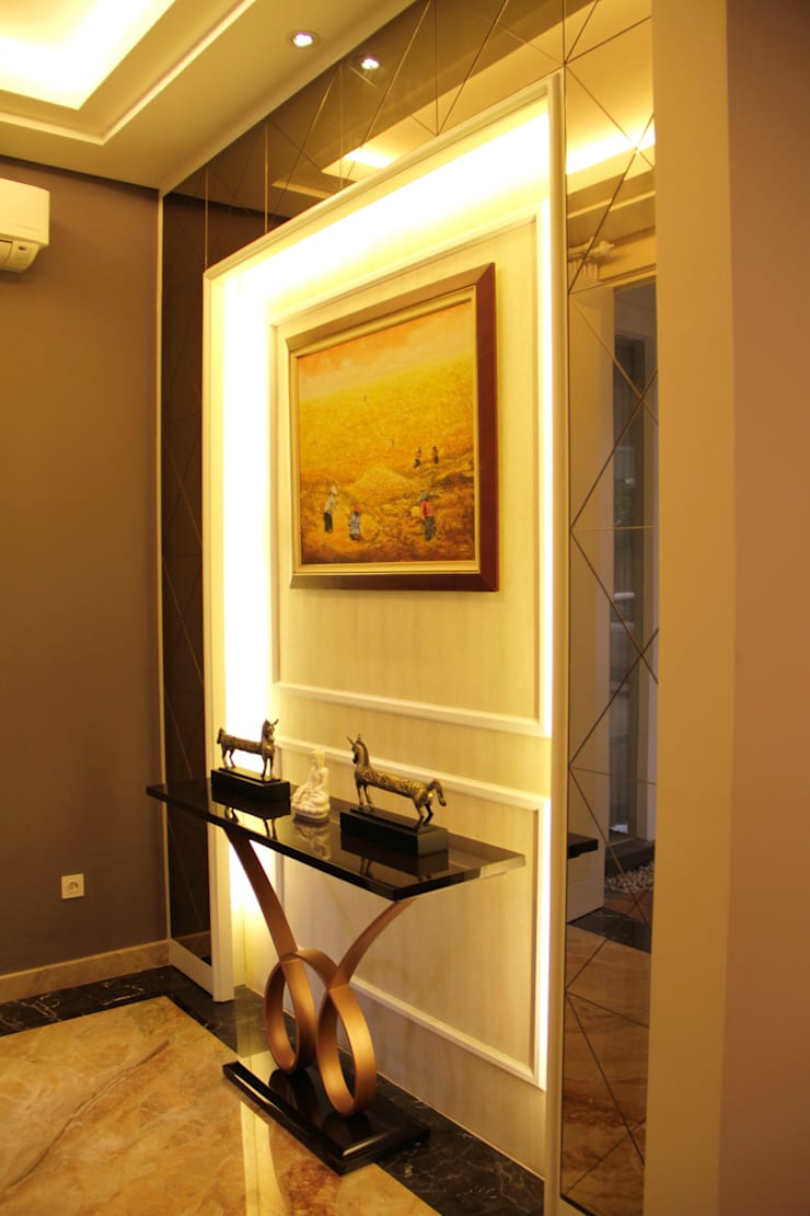 Foyer:  Koridor dan lorong by Kottagaris interior design consultant