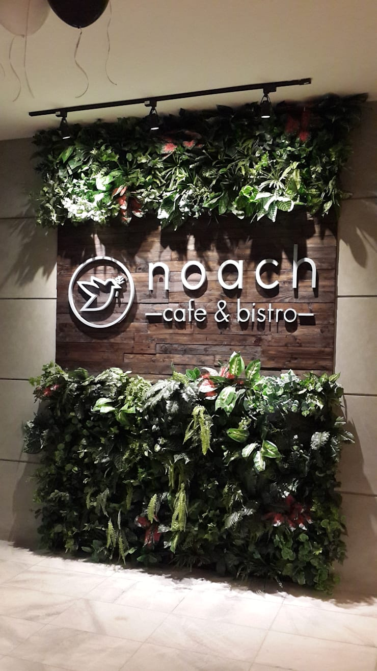 Entrance signage :  Restoran by Kottagaris interior design consultant