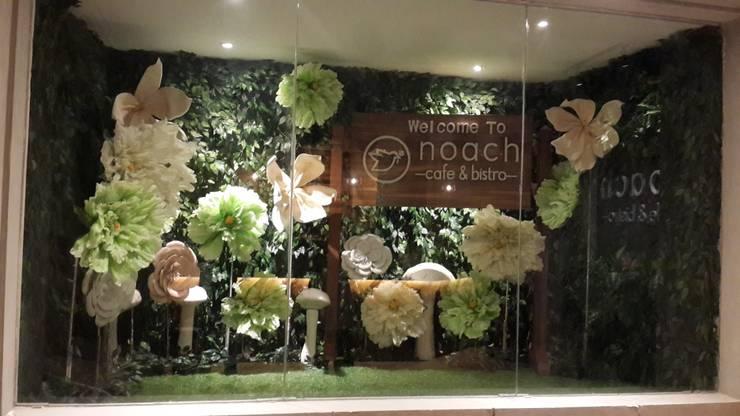 Seasonal spot garden:  Restoran by Kottagaris interior design consultant