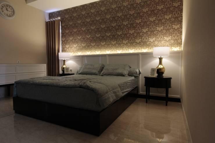 Parent bedroom:  Kamar Tidur by Kottagaris interior design consultant