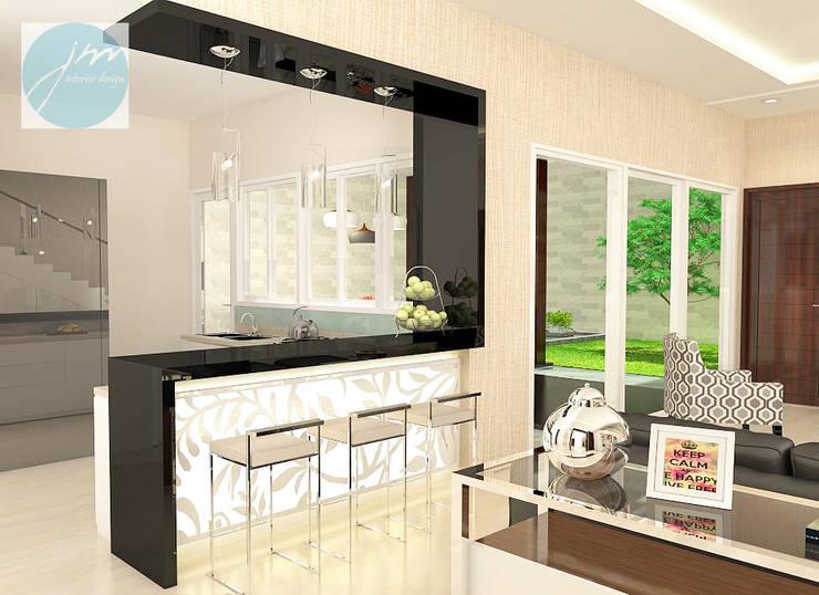 Residential Araya:   by JM Interior Design