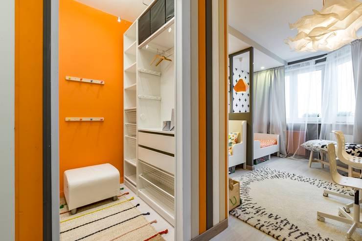 Habitaciones para niñas de estilo  por Школа Ремонта