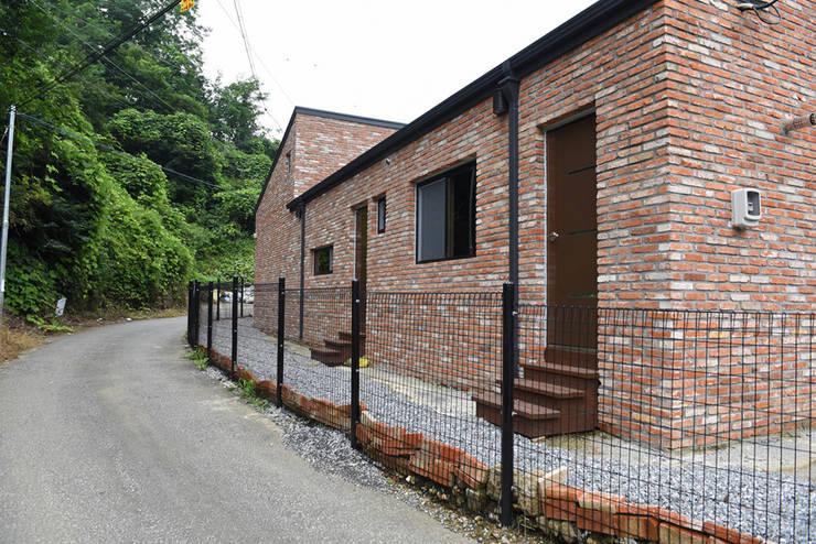 주택 후면: 한다움건설의  목조 주택