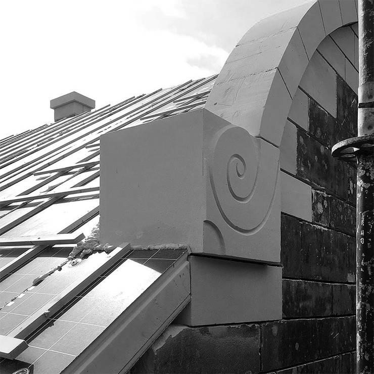 Mergelornamenten:  Rijtjeshuis door De Nieuwe Context, Eclectisch Zandsteen