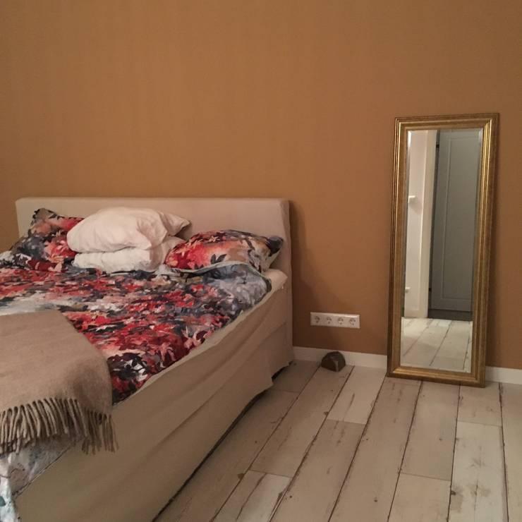 Warme kleuren:  Slaapkamer door Vine Home Design