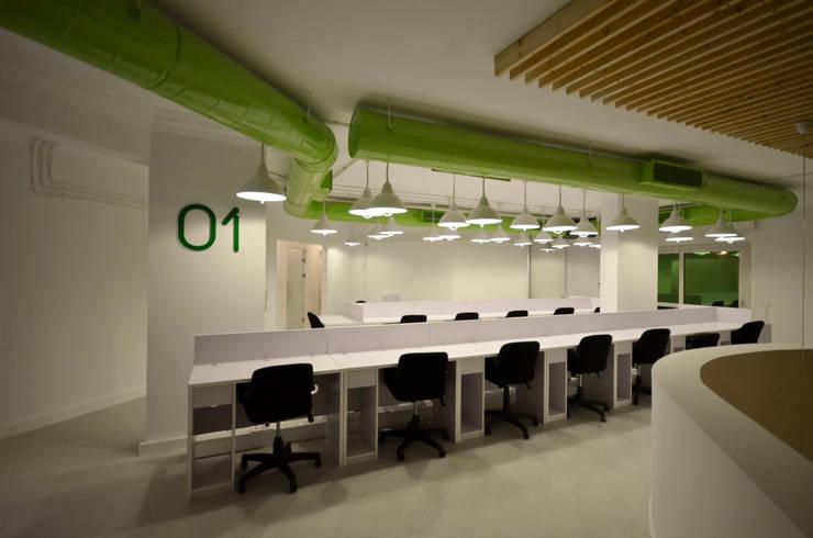 Second Floor Work space Edificios de oficinas de estilo minimalista de CUBEArchitects Minimalista