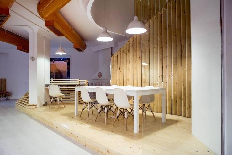 Ground Floor Meeting Area Edificios de oficinas de estilo minimalista de CUBEArchitects Minimalista