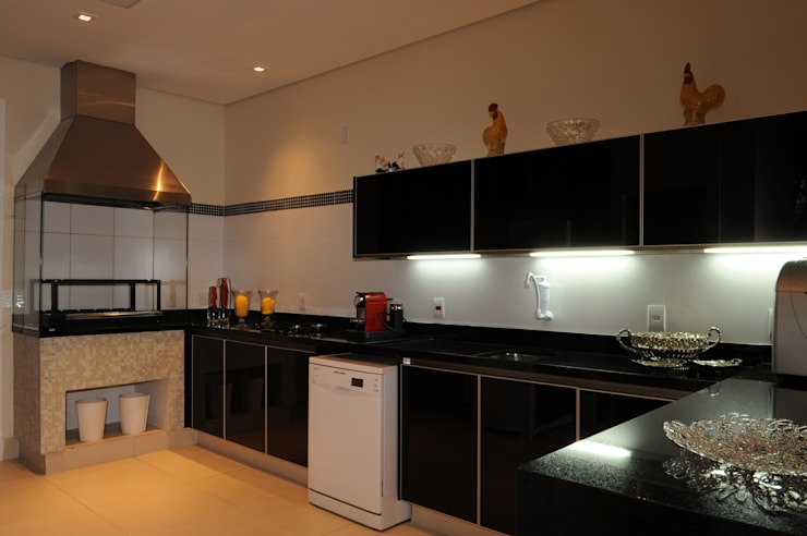 Projekty,  Kuchnia zaprojektowane przez Daniel Kalil Arquitetura