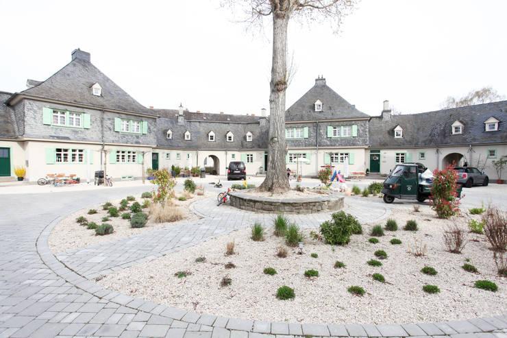 Hofsituation :  Häuser von Neugebauer Architekten BDA