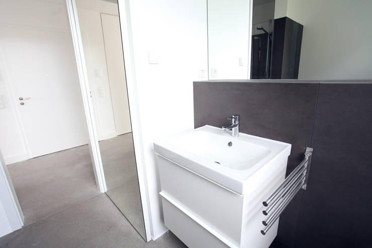 Badezimmer:  Badezimmer von Neugebauer Architekten BDA