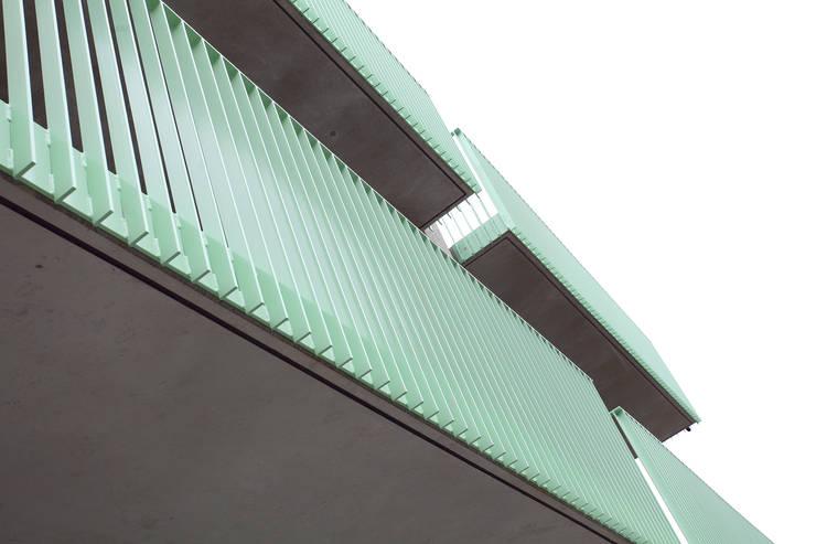 Balkondetai:  Häuser von Neugebauer Architekten BDA