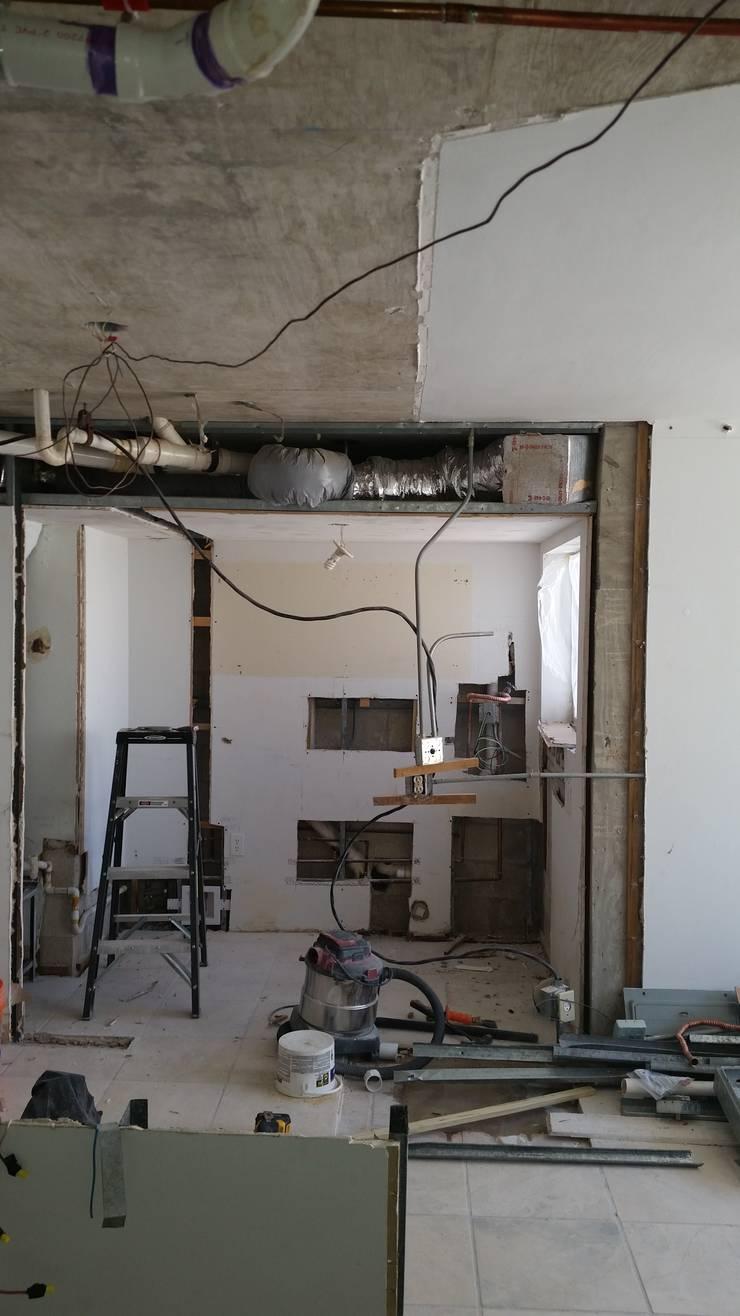 Renovación de casa:  de estilo  por PRO - 163 Huose & Patio Llc.,