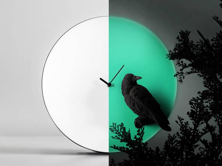 Haoshi Night Glow Raven Moon Clock:  Living room by Just For Clocks