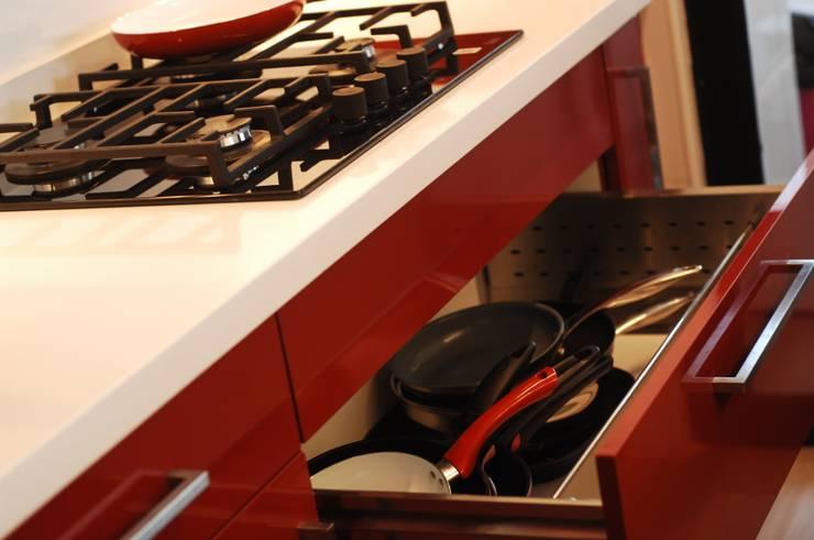 Cocina Providencia: Cocina de estilo  por ABS Diseños & Muebles