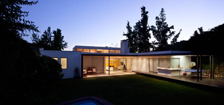 庭院 by [ER+] Arquitectura y Construcción