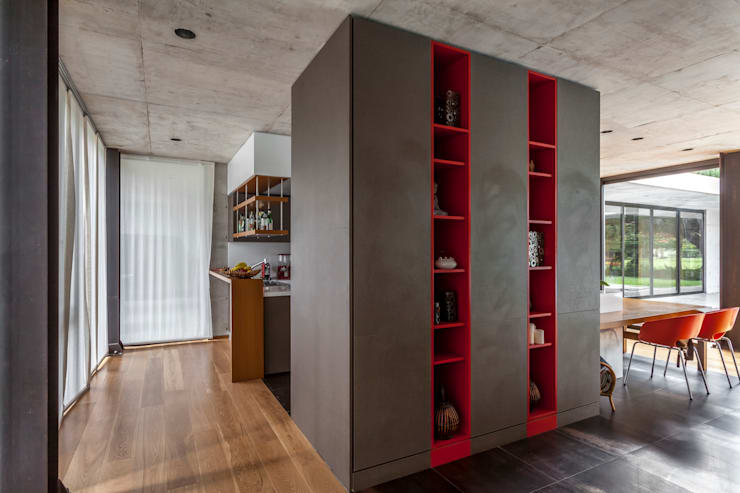 Casa HK: Vestidores y placares de estilo  por Ciudad y Arquitectura,Minimalista