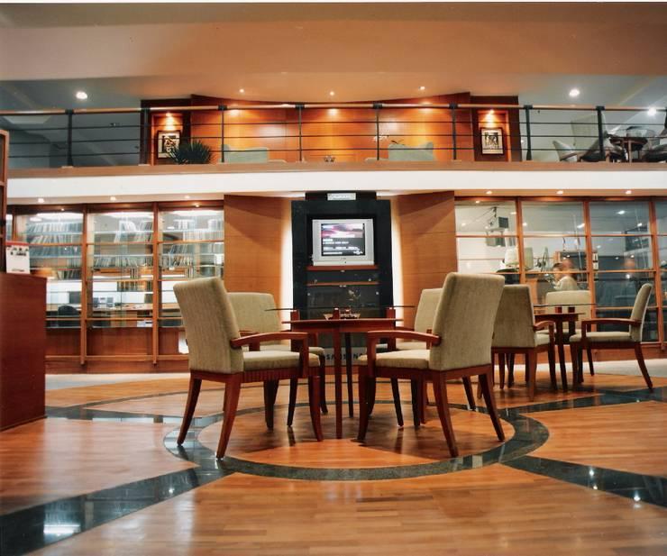 lounge area:  Kantor & toko by sigmaDKNP