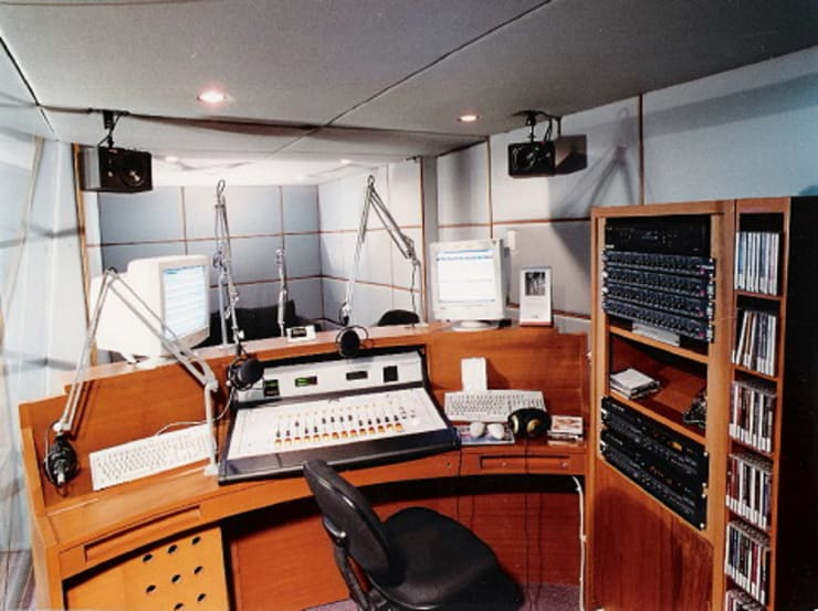 studio:  Multimedia room by sigmaDKNP
