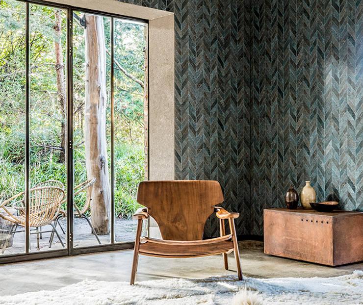 Arctic Fever Carve: Paredes y pisos de estilo clásico por BIANELLA