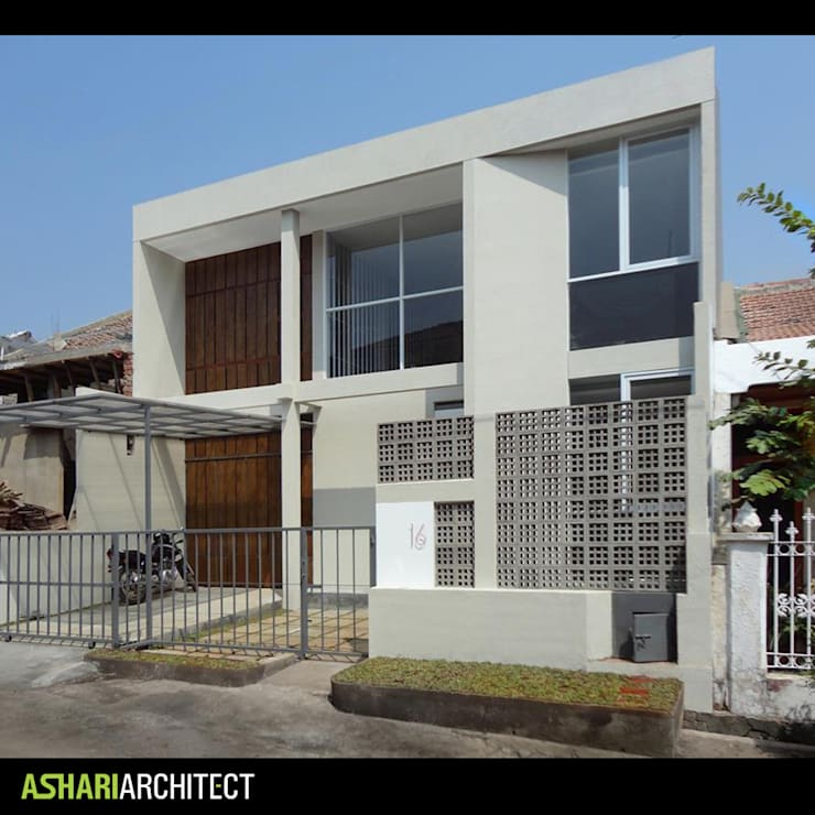 Salendro House:  Rumah tinggal  by Ashari Architect