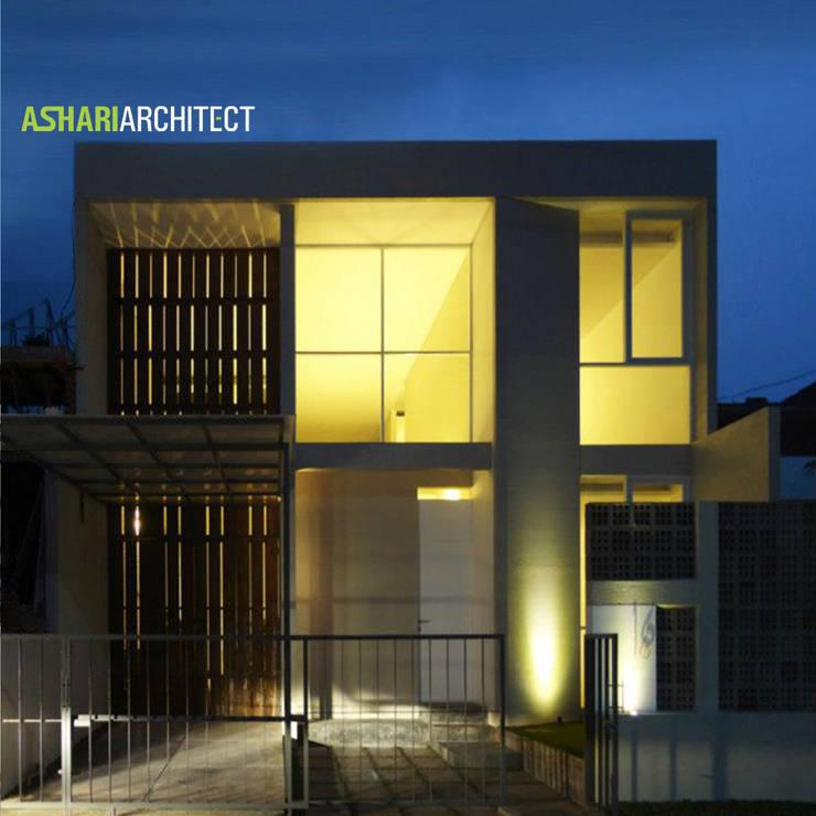 Salendro House:  Rumah tinggal  by Ashari Architect