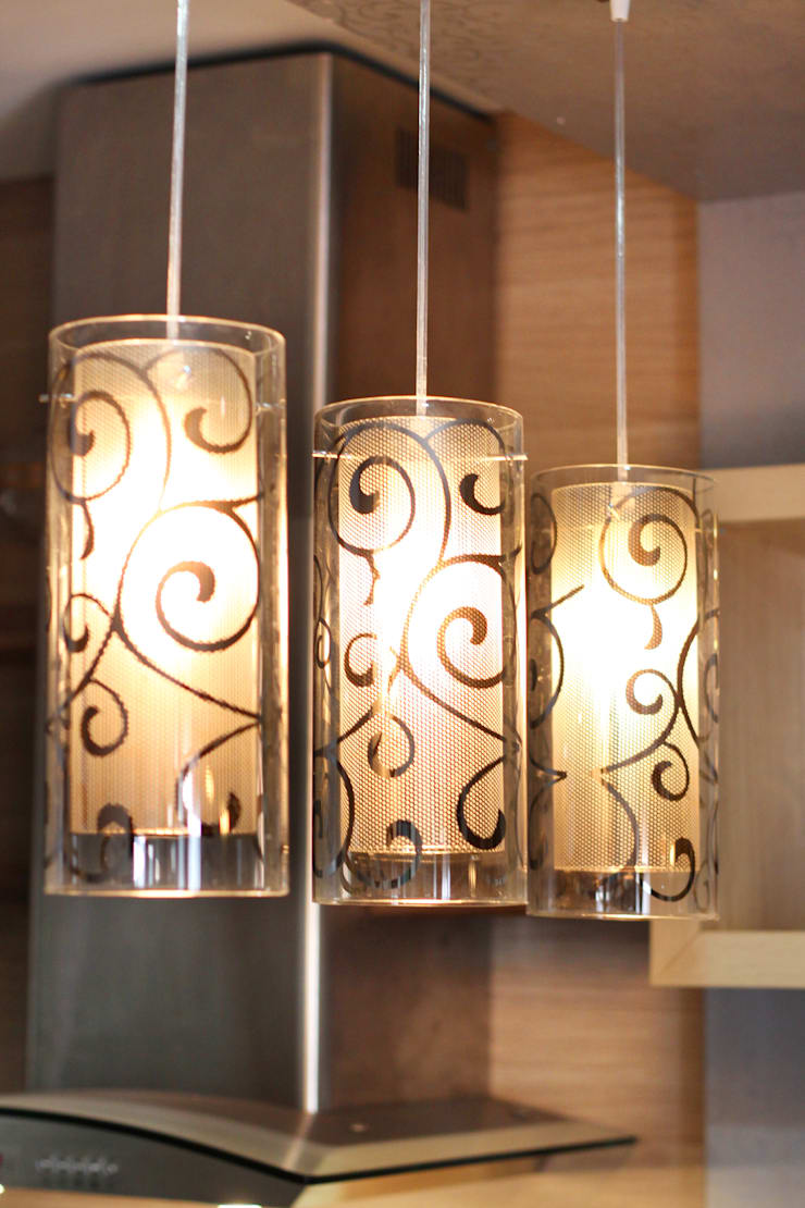 Interior Apartemen Tamansari Semanggi:  Kitchen by SAKA Studio