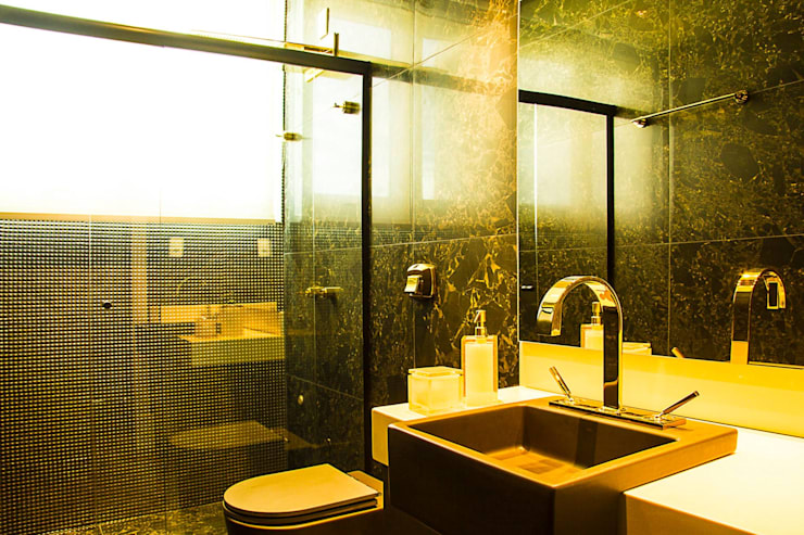 Bathroom by ARQUITETURA CARINE SACHETT