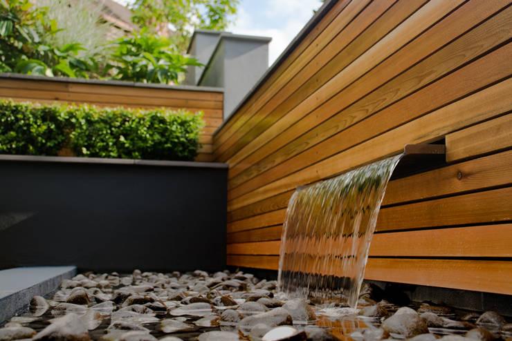 庭院 by Robert Hughes Garden Design