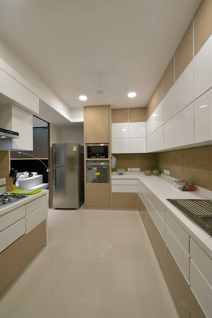 Heera High Life: modern Kitchen by SM Studio
