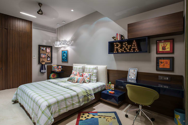 Apartment in Juhu:  Nursery/kid's room by Rakeshh Jeswaani Interior Architects,Eclectic