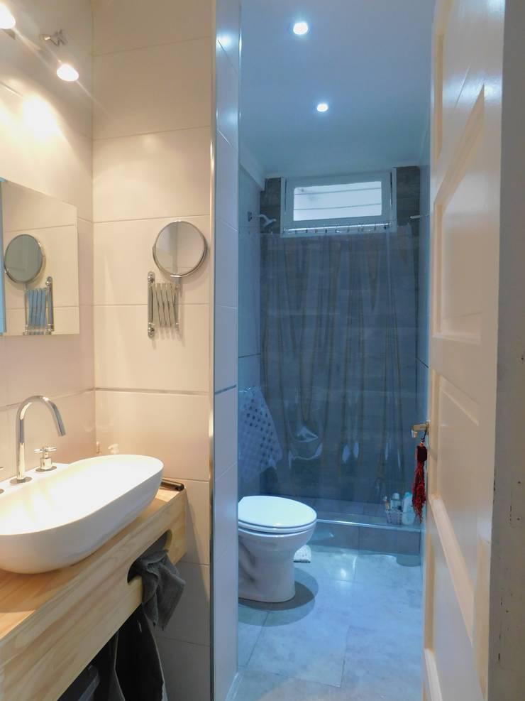 Reforma Baño.: Baños de estilo  por Dsg Arquitectura ,