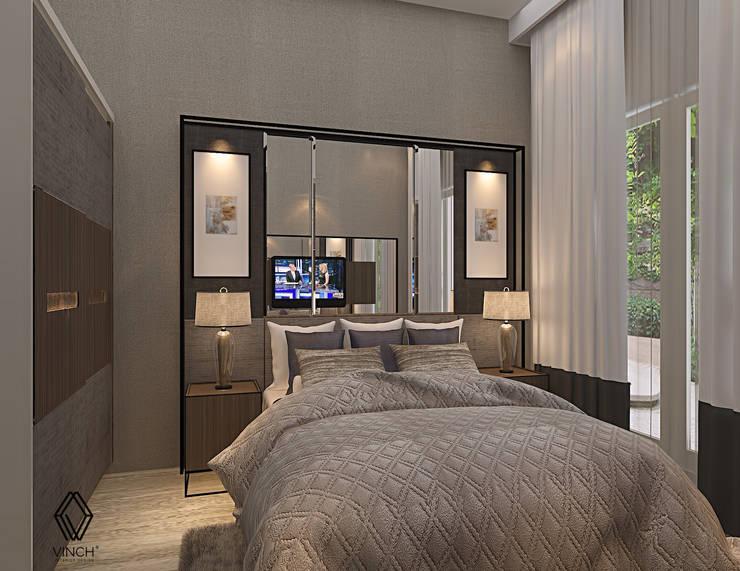 Project - Rumah Tinggal Kediri Family Residence:  Kamar Tidur by Vinch Interior