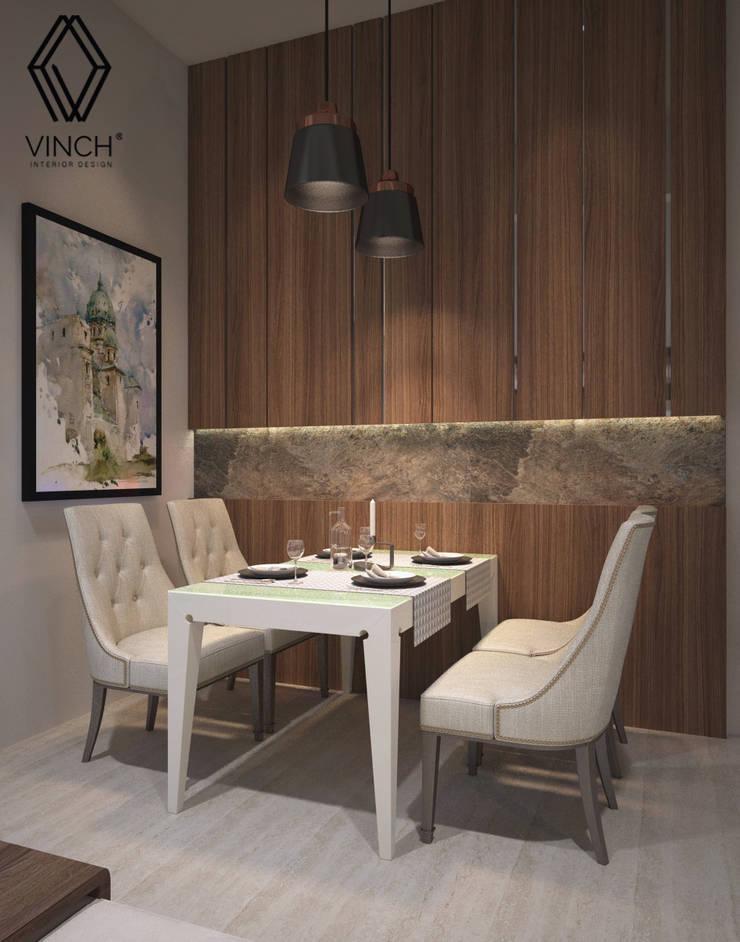 Diningroom:  Ruang Makan by Vinch Interior